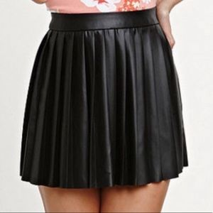 Kendall & Kylie vegan leather black mini skirt